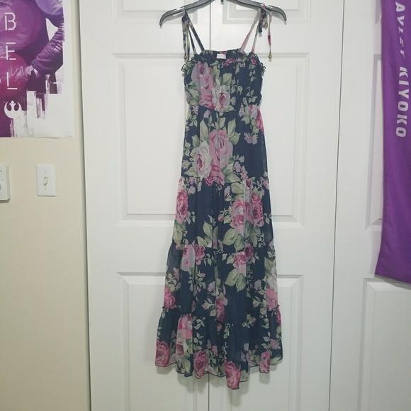 7161769ce31 liz lisa Dresses   Skirts - LIZ LISA floral dress.